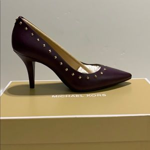Michael Kors Nappa Pump with studs NIB